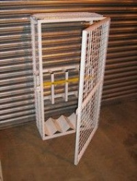 Cylinder Rack with Cage